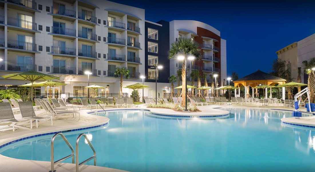 Springhill-Suites-Pool_side